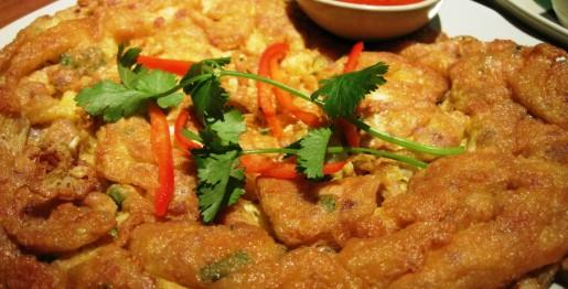 тайский омлет со свиным фаршем